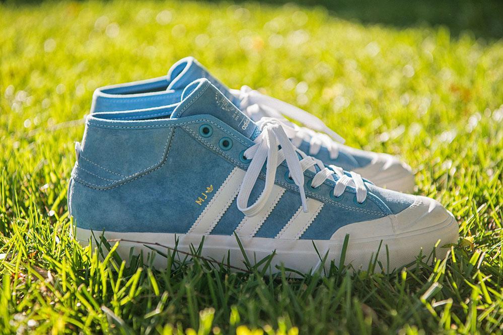 The new adidas Matchcourt Mid x MJ – Tennis elegance meets skate technology!