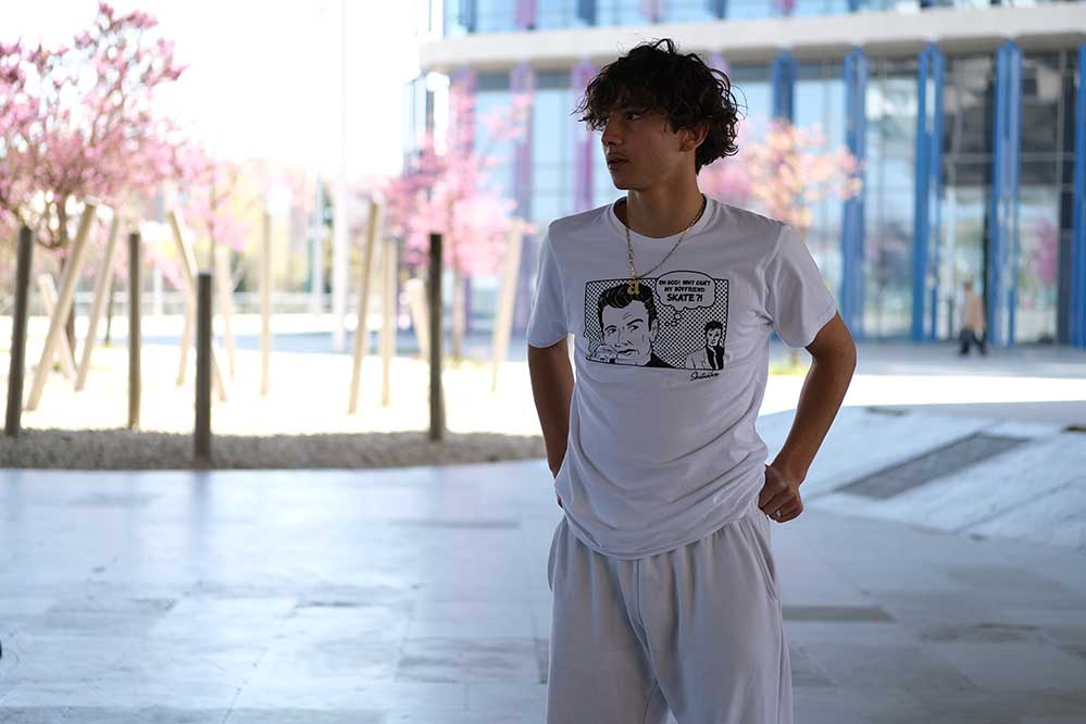 Gratis SK8DLX T-Shirt ab 300 EUR Warenwert