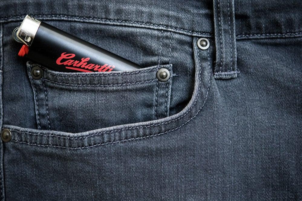 gratis Carhartt WIP aansteker bij elke Carhartt WIP broek
