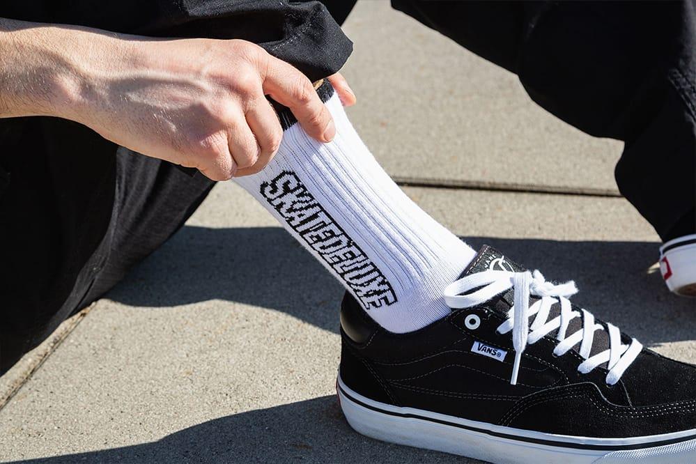 Gratis zu jedem Paar Schuhe - SK8DLX Flow Socken. Nur solange der Vorrat reicht.Gratis zu jedem Paar Schuhe - SK8DLX Flow Socken. Nur solange der Vorrat reicht.