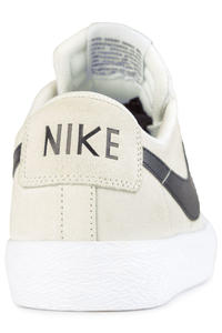 Nike SB Zoom Blazer Low XT Schuh (summit white black)