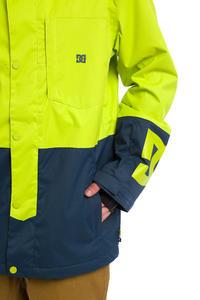 DC Defy Snowboard Jacket (tender shots)