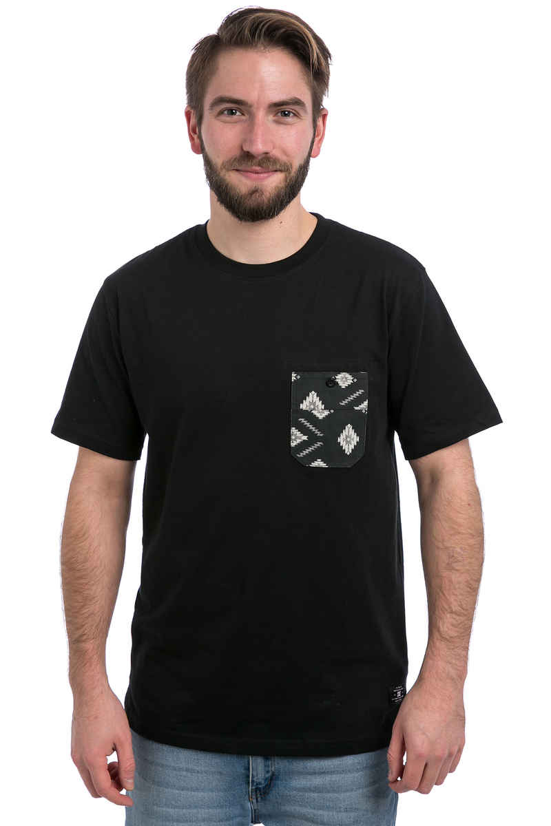 DC Lubbock Camiseta (black ethnic print)