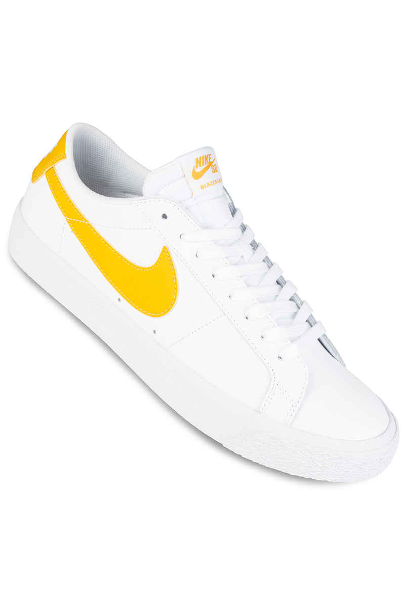Nike SB Zoom Blazer Low Chaussure (white mineral gold)
