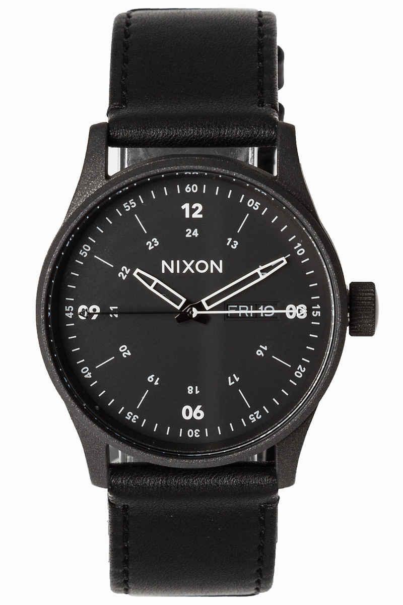 Nixon The Sentry Leather Horloge (cinder cerakote black)