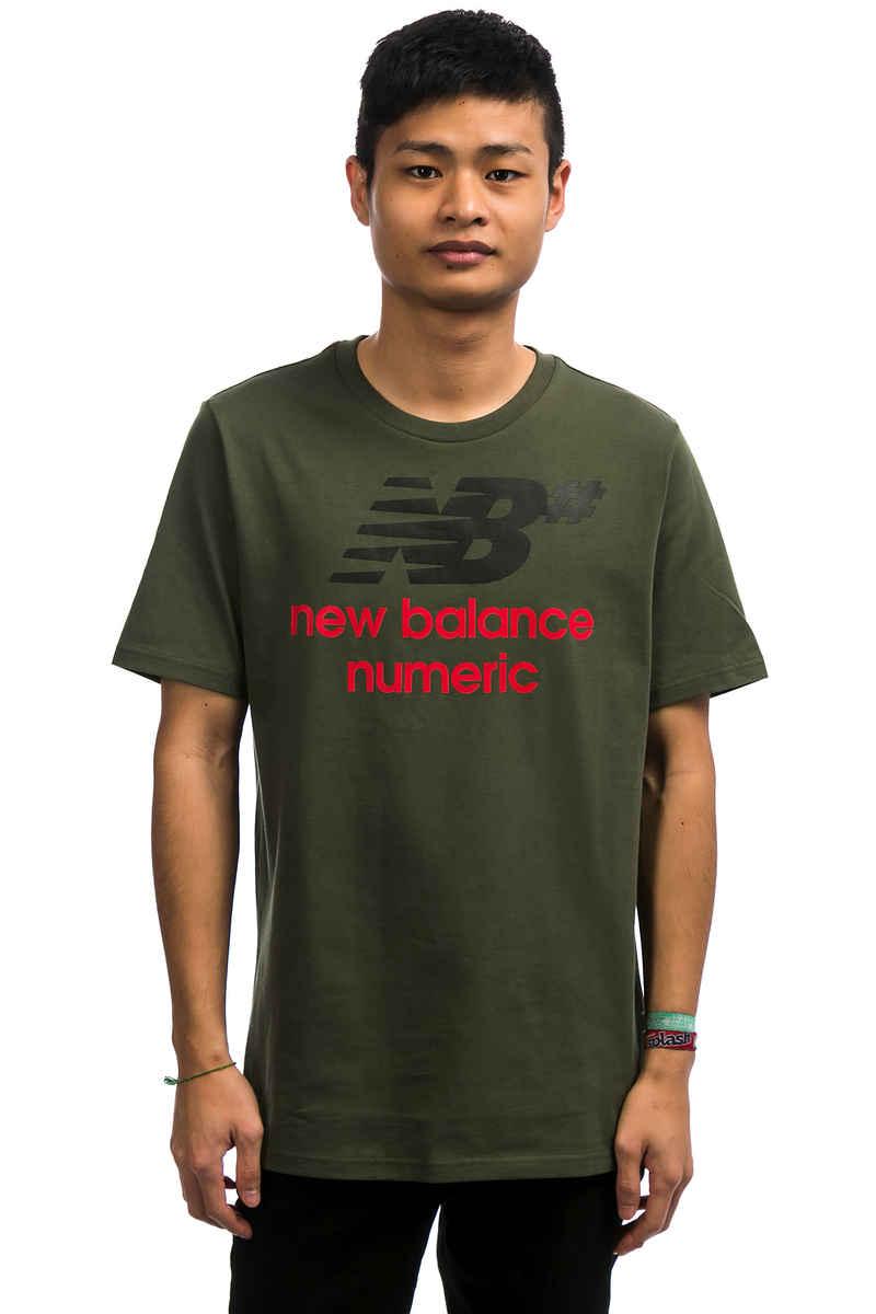 New Balance Numeric Stacked T-Shirt (dark covert green)