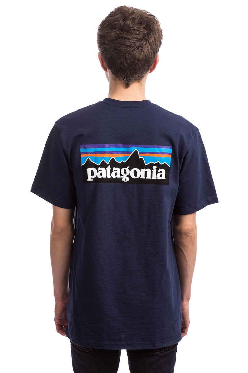 Patagonia P-6 Logo Responsibili T-Shirt (classic navy)