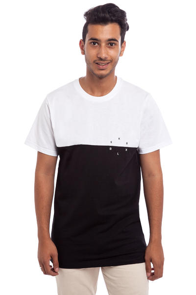 SK8DLX Switch Camiseta (black white)