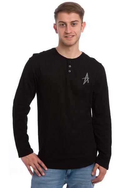 Altamont Spansive Longsleeve (black)