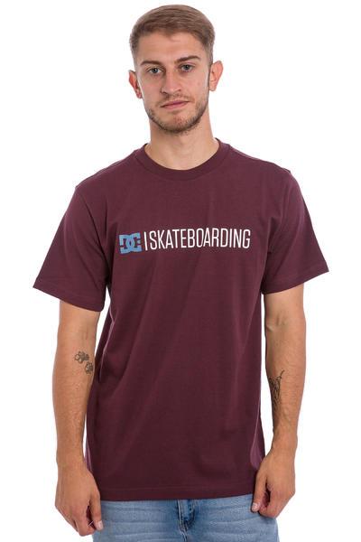 DC Minimal 16 T-Shirt (winetasting)
