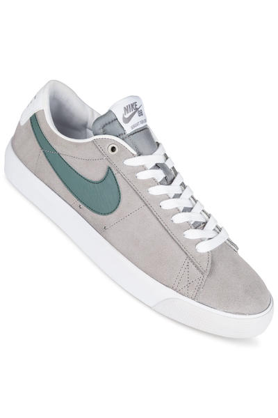 Nike SB Blazer Low Grant Taylor Shoe (dust hasta)