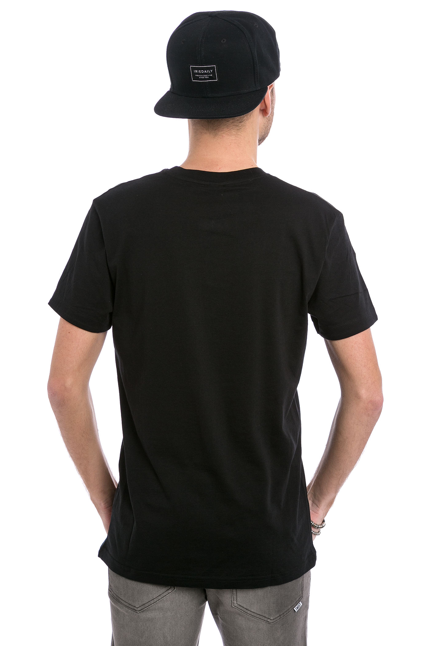 iriedaily turn up t shirt black buy at skatedeluxe. Black Bedroom Furniture Sets. Home Design Ideas
