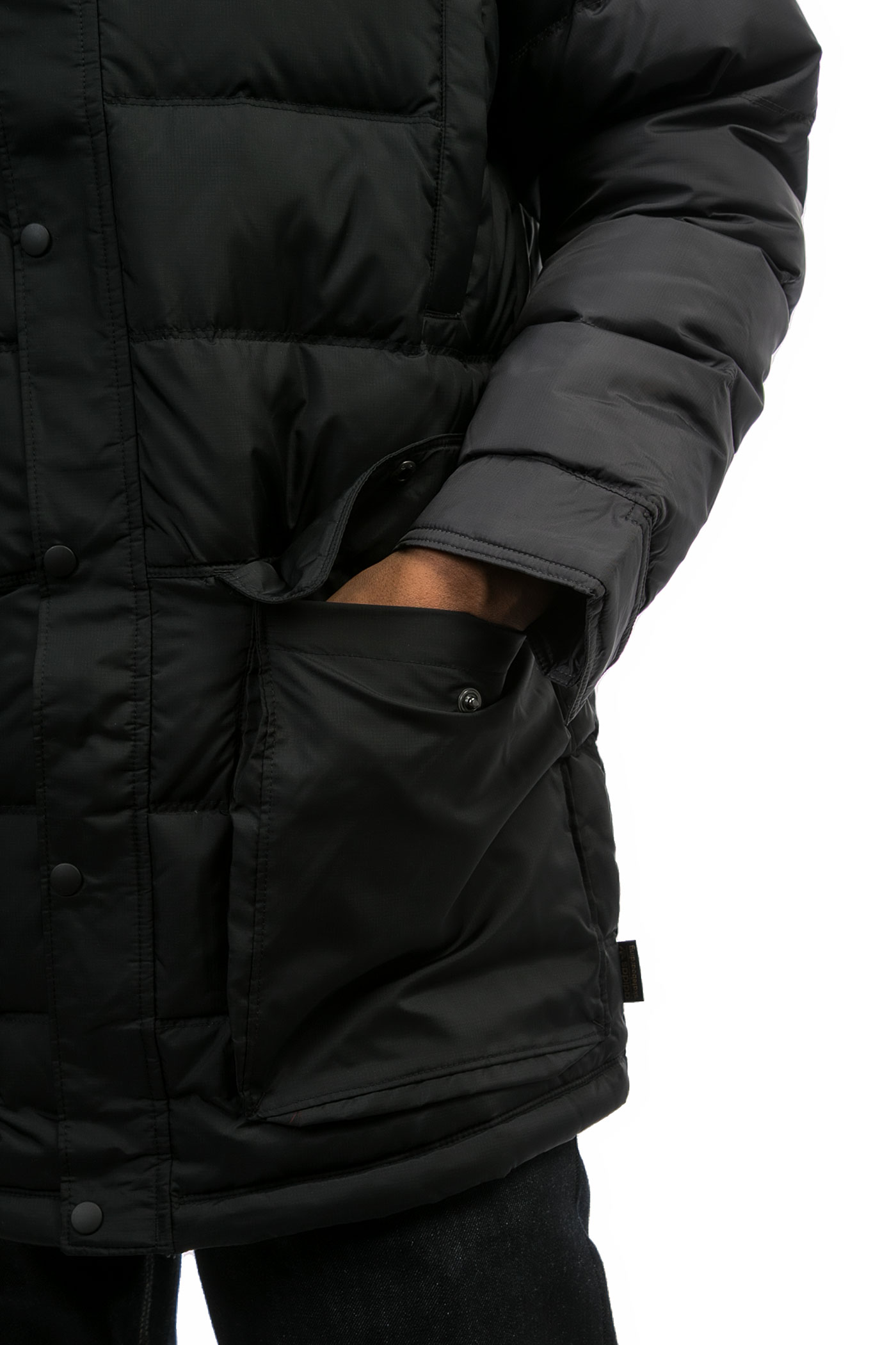 adidas down jacke black black scarlet kaufen bei skatedeluxe. Black Bedroom Furniture Sets. Home Design Ideas