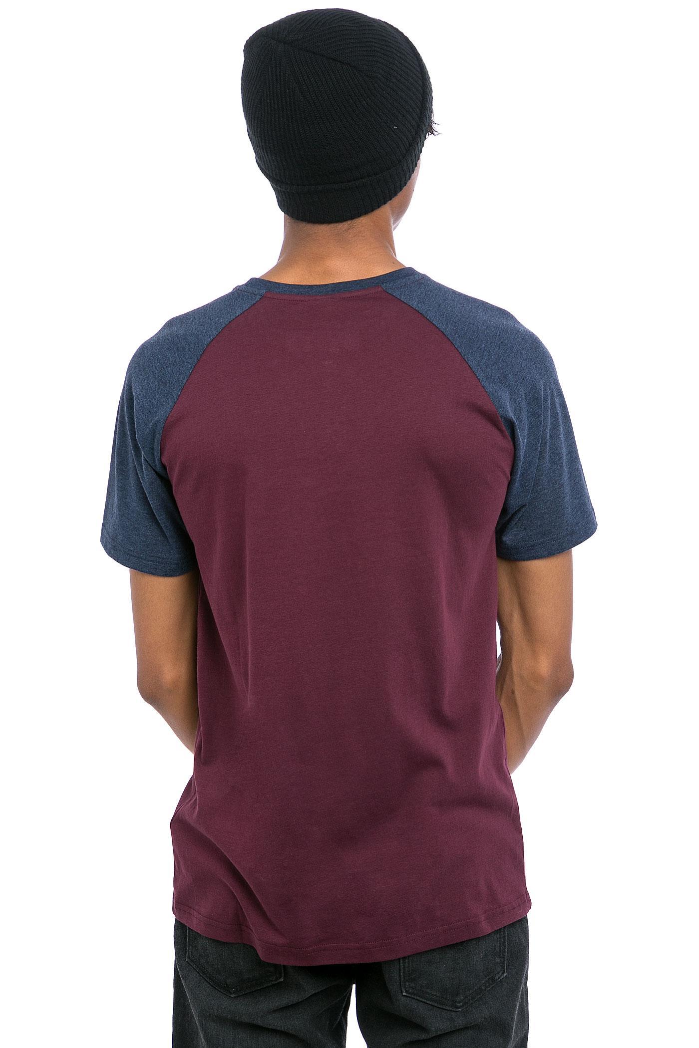 iriedaily rugged t shirt navy red achetez sur skatedeluxe. Black Bedroom Furniture Sets. Home Design Ideas