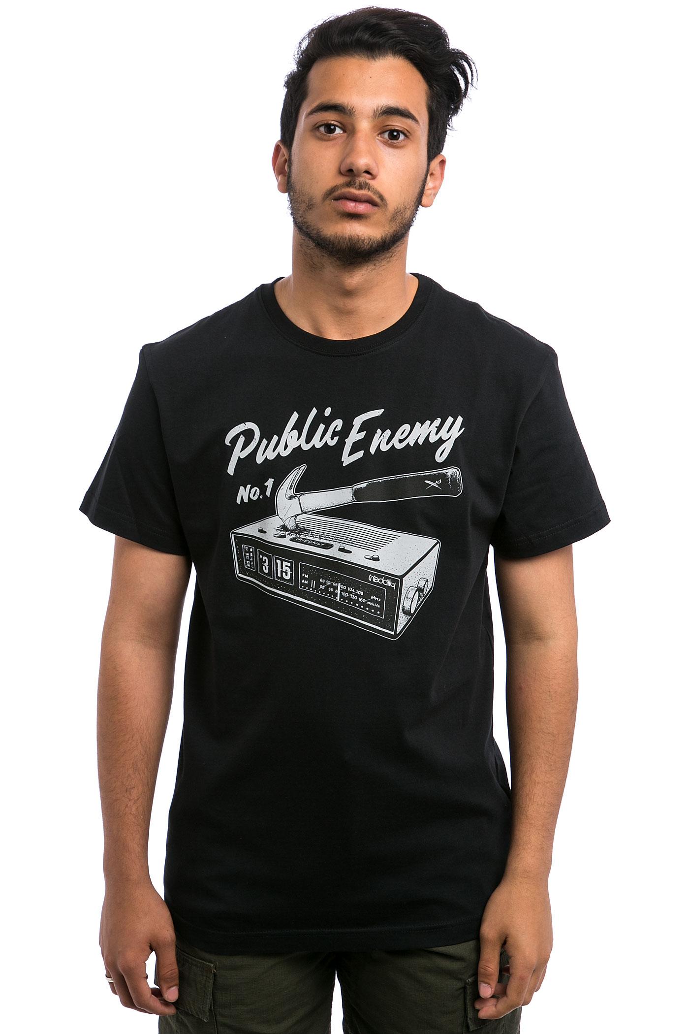iriedaily enemy t shirt black kaufen bei skatedeluxe. Black Bedroom Furniture Sets. Home Design Ideas