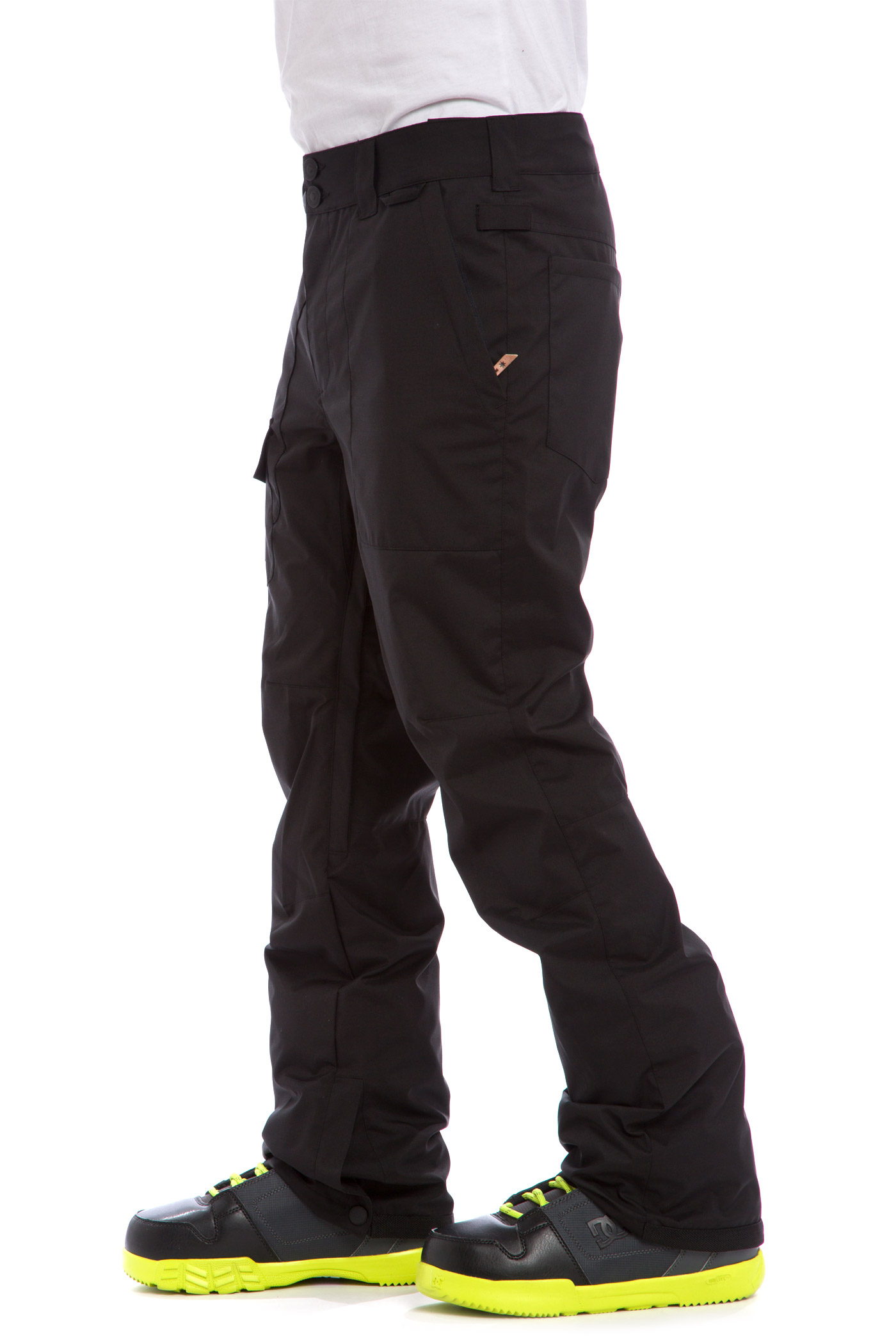 Shop snowboard gear that lets you focus on the pow, not the cold. Our mens snowboard clothing includes everything from snow outfits to beanies!