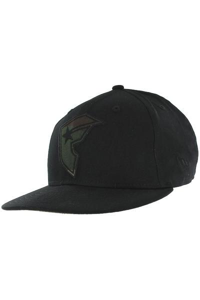 Famous Deceit Snapback Cap (black camo)